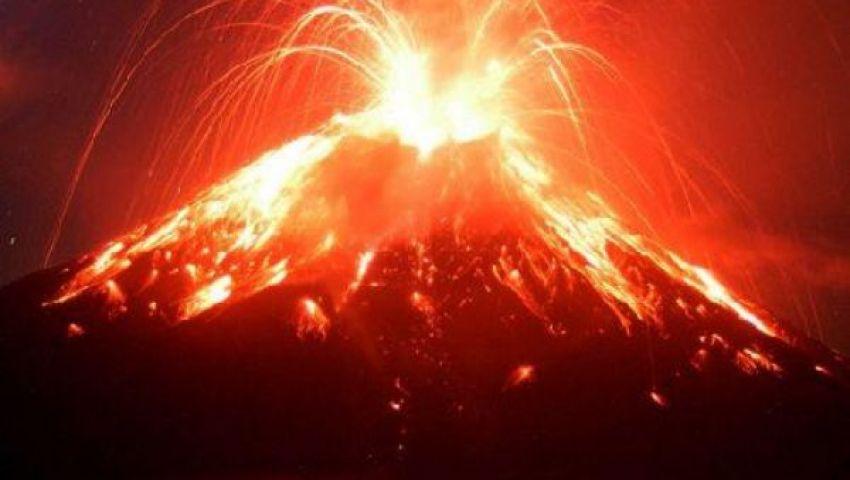 ثوران بركان سينابنج في إندونيسيا