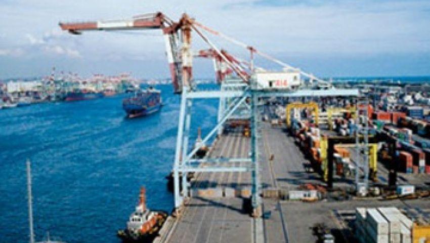 وصول 178 ألف طن قمح و951 سيارة لميناء الإسكندرية