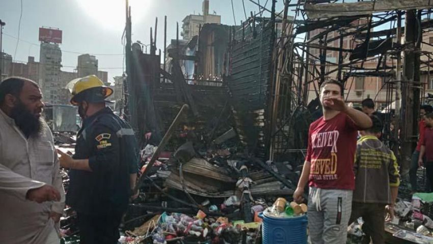 صور| حريق هائل في سوق محطة مصر بالإسكندرية