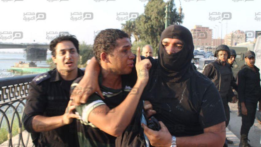 بالفيديو .. ضابط يصفع أحد أعضاء الوايت نايتس