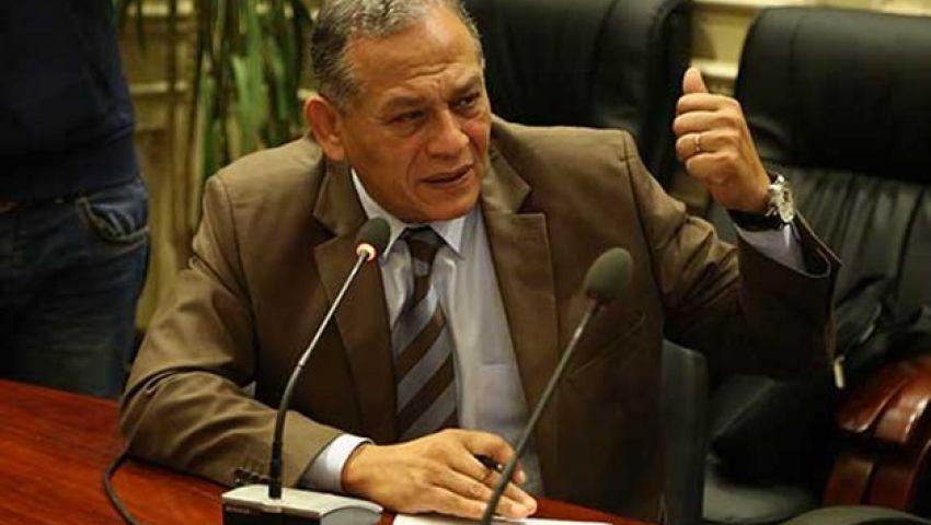 السادات يطالب بعرض اتفاق الواردات البترولية مع السعودية على البرلمان