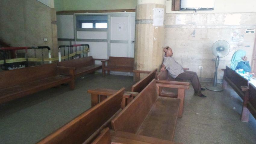 بالفيديو|في اليوم الثاني.. محكمة أسوان خالية من المرشحين