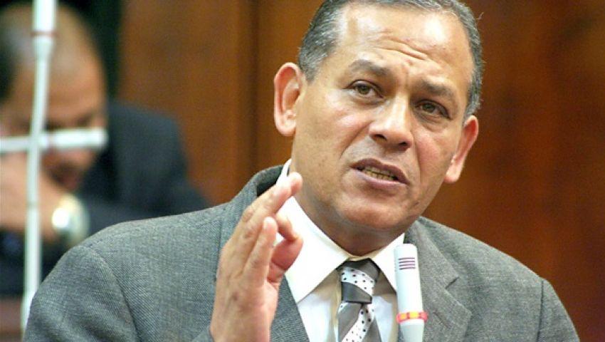محمد السادات: يطالب بمنع تملك الاجانب بقناه السويس