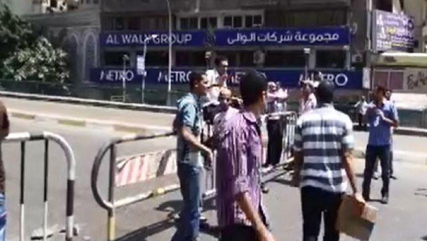 غلق كوبري الجامعة للمرة الثانية واستمرار تزايد المؤيدين لمرسي