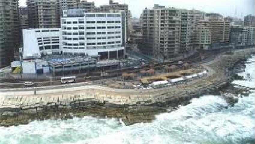 حملة لتنظيف جدران الإسكندرية من التشوهات