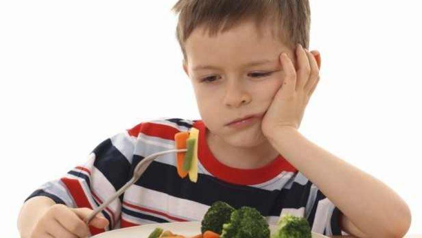ابنك بيكره الأكل؟!.. أنت السبب