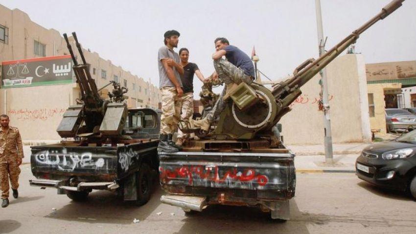 بدعم مصري جزائري.. عاصمة الثورة الليبية تقترب من السقوط