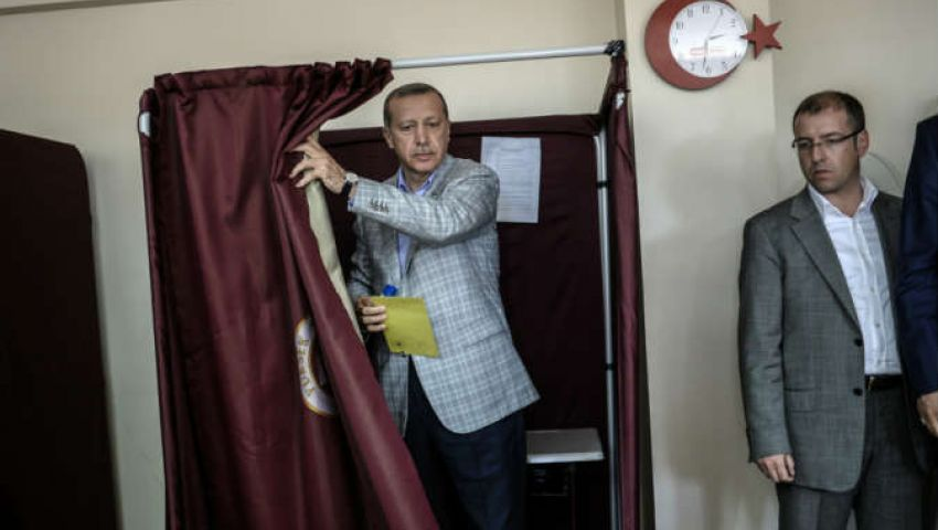 فيسبوك لأردوغان: عملتها بالخبرة