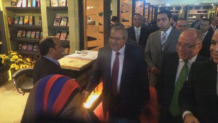 بالصور.. وزير الثقافة يفتتح معرض الكتاب