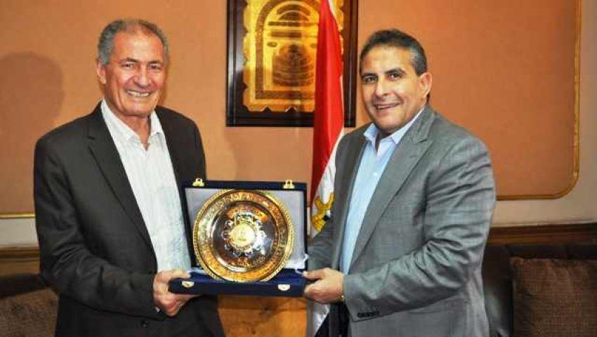 حسن مصطفى يزور وزير الرياضة
