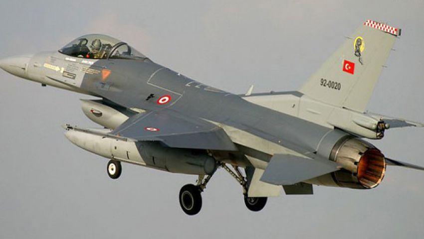 طائرات تركية تحلق على الحدود مع سوريا