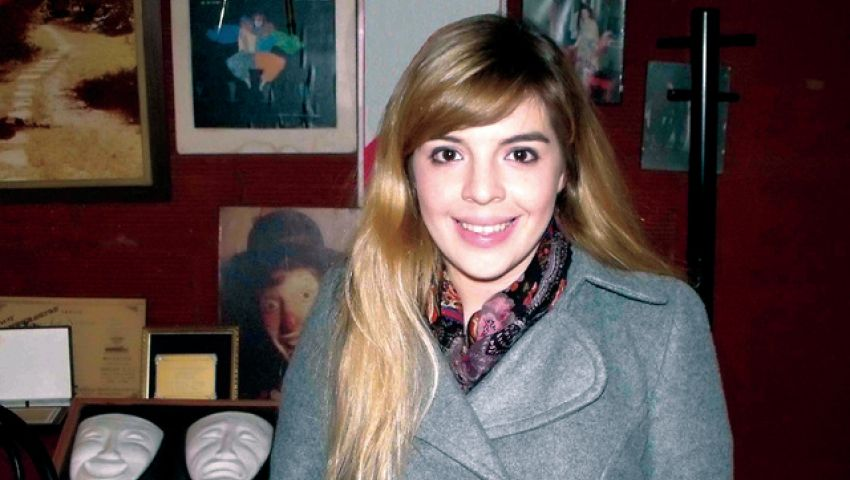 ابنة مارادونا تدخل عالم الغناء