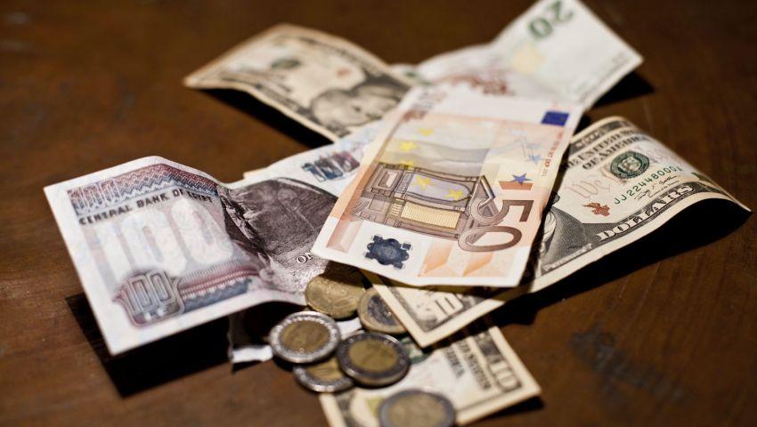 خبير مصرفي يتوقع تأثيراً سلبياً على الموازنة جراء تعويم الجنيه