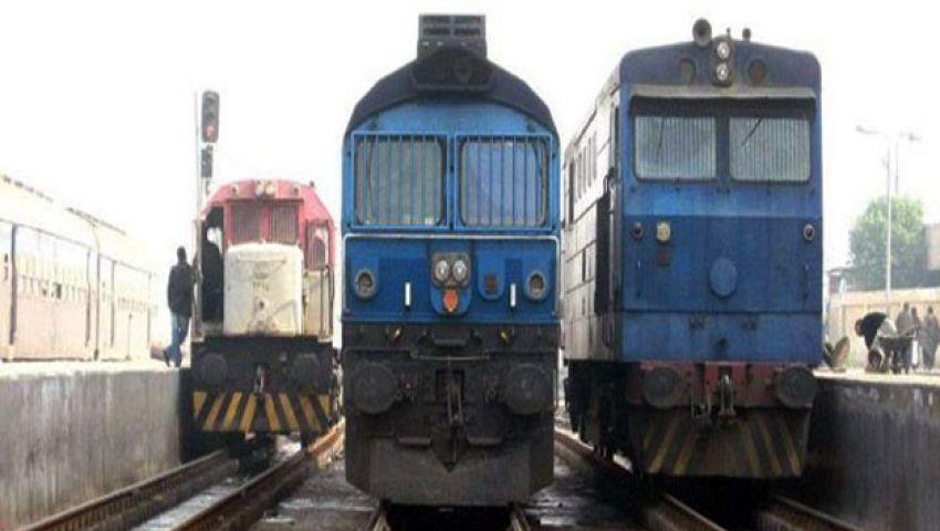 تعطل حركة القطارات بالمنوفية بسبب حريق هائل بصناديق التشغيل