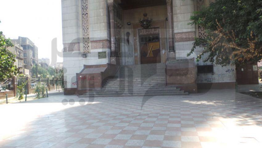 بالصور مسجد الفتح خالٍ من التظاهرات