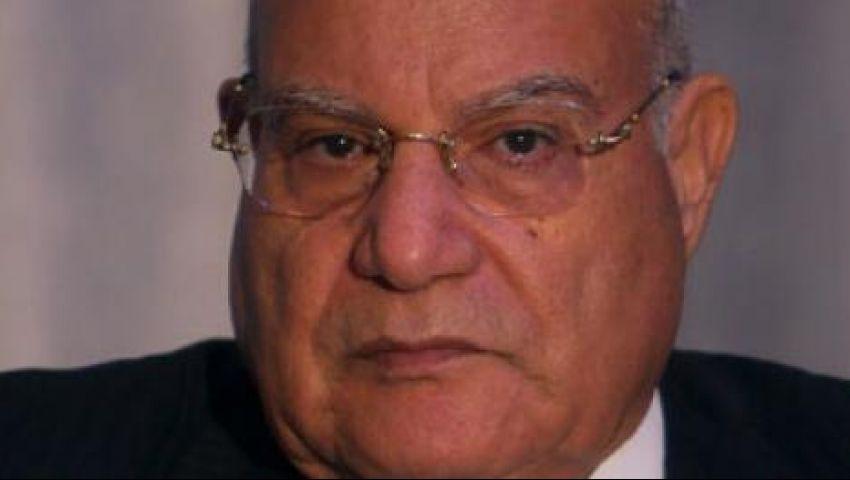 وزير النقل الجديد يصل مكتبه بمدينة نصر