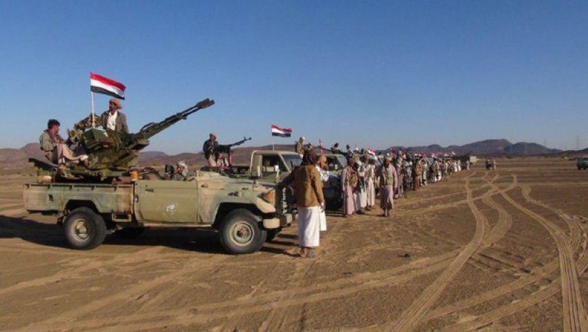 القبائل تسيطر على ٤ مواقع عسكرية للحوثيين وسط اليمن