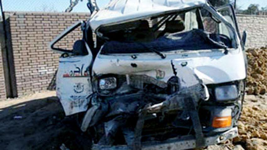 إصابة 11 عاملاً في حادث انقلاب سيارة بالفيوم