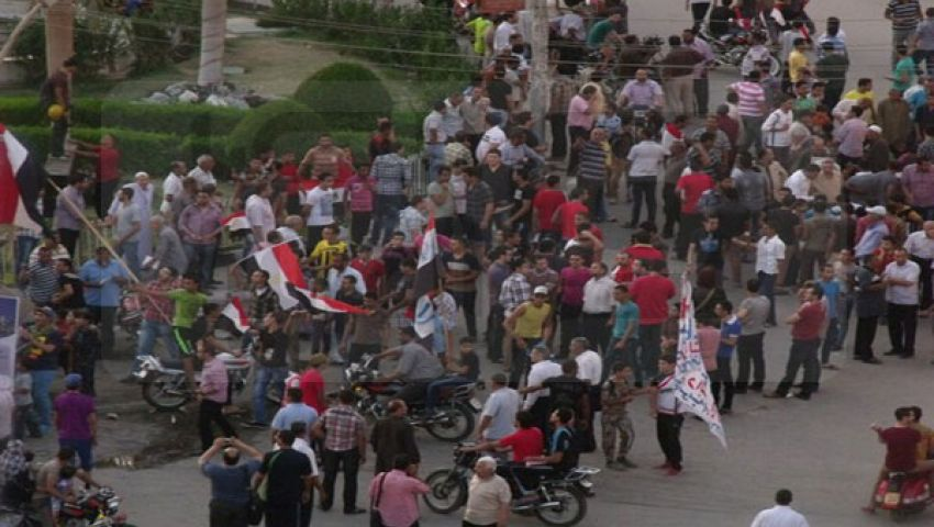 متظاهرون ببني سويف يؤيدون بيان السيسي