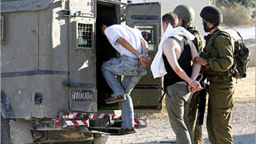 الجيش الإسرائيلي يعتقل فلسطينيا بتهم التخطيط لطعن جنود