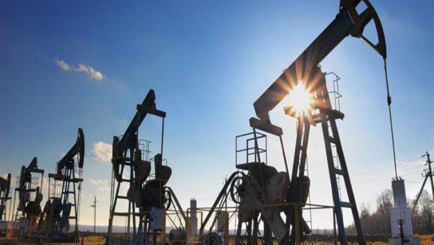 هبوط عقود النفط الآجلة بسبب بالتوترات التجارية بين واشنطن وبكين