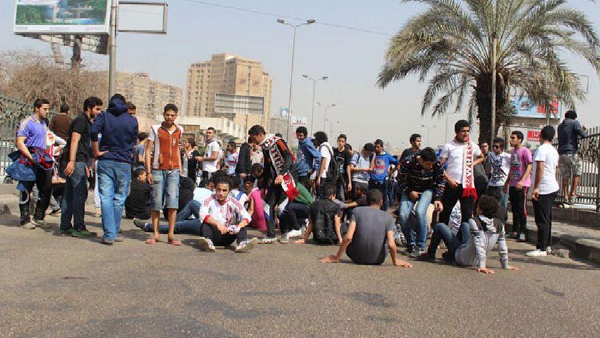 بالفيديو..الألتراس يقطع طريق شارع شبرا