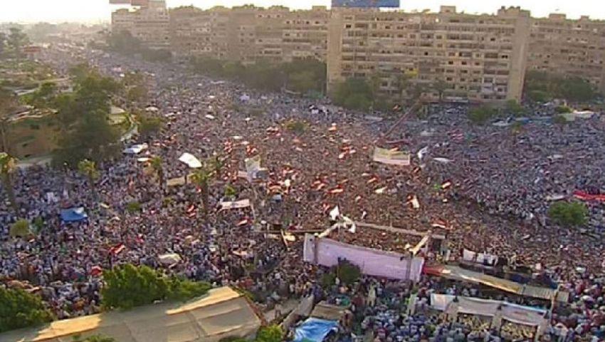 متظاهرو رابعة العدوية: يرحل ليه.. هوّ مبارك ولاّ إيه