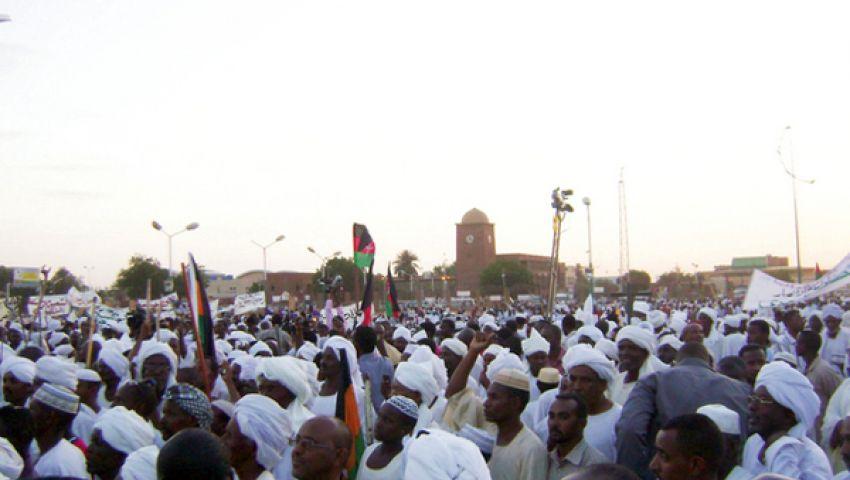 المهدي يدعو للقصاص من قتلة المتظاهرين السودانيين