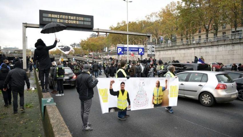 الفرنسية: في عيدها الأول.. «السترات الصفراء» فشلت في استعادة الزخم