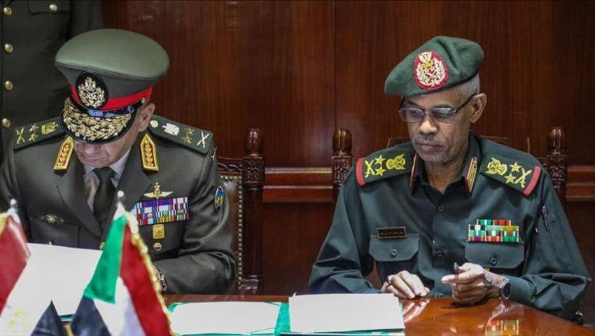 فيديو.. 10 دول تعلق على إطاحة الجيش السوداني بالرئيس عمر البشير