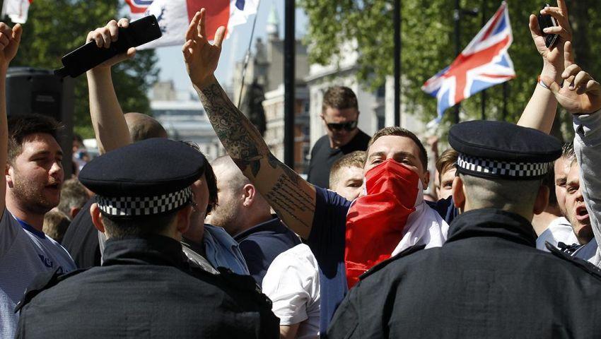 اليمين البريطاني المتطرف يعزز دعايته لاستهداف المسلمين