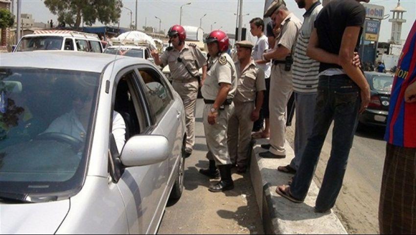 ضبط 4 سودانيين لقيادتهم سيارتين بدون ترخيص