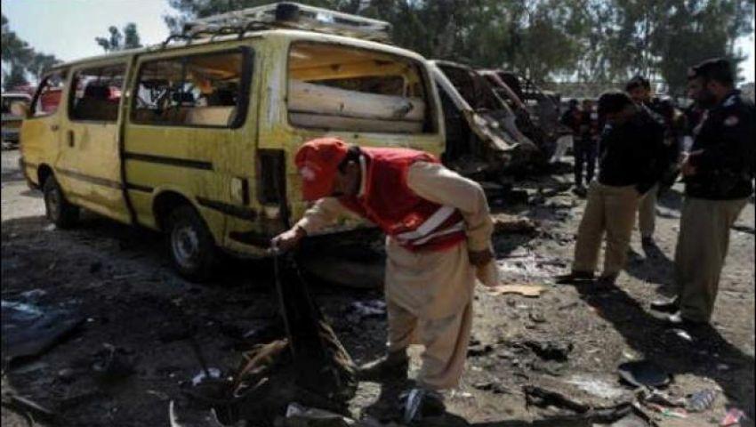 عشرات القتلى والجرحى في هجوم على حافلة في باكستان