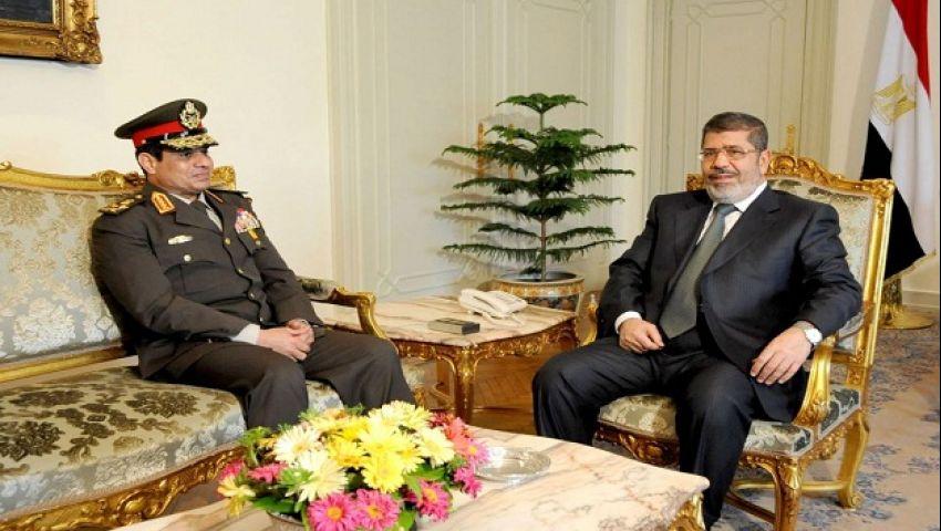 معاريف: السيسي أدرك أن مرسي سينجح فانقلب عليه