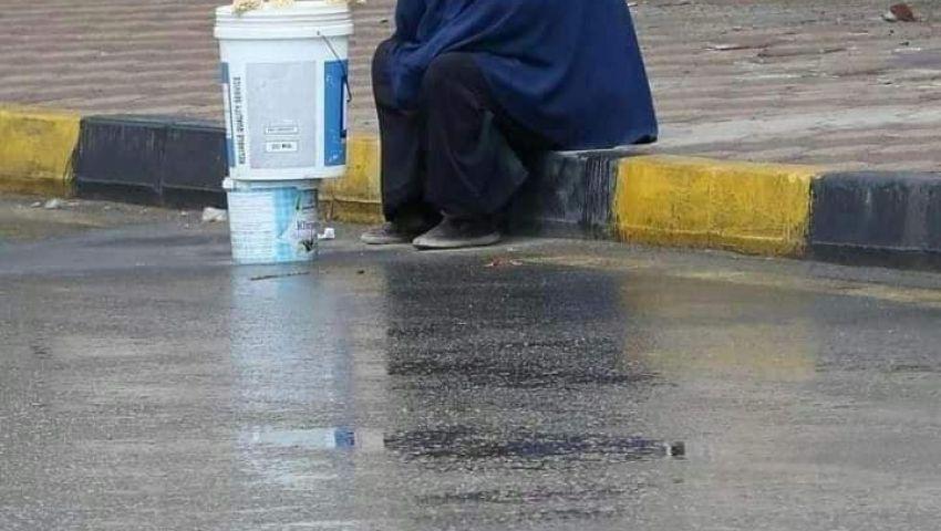 فيديو.. حكاية سيدة المطر وشنطة ياسمين صبري
