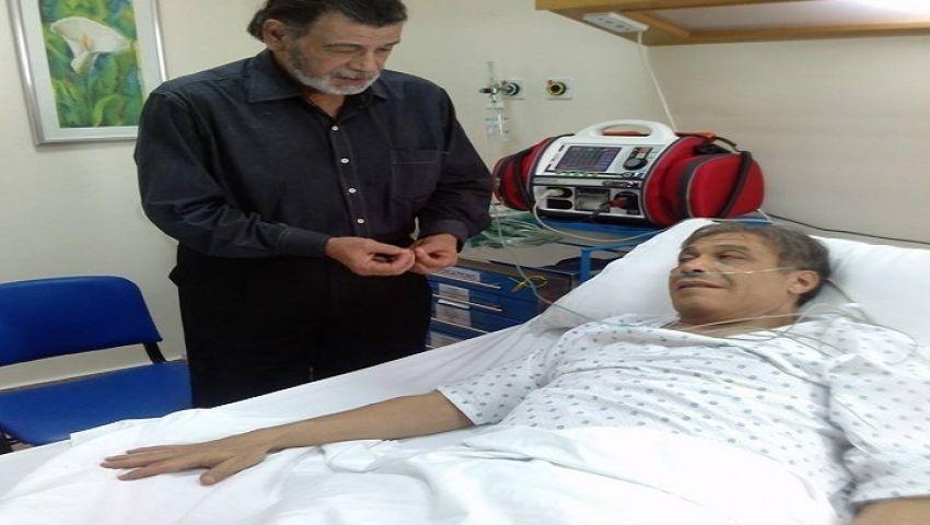 بالصور.. خالد صالح  بعد عملية القلب المفتوح