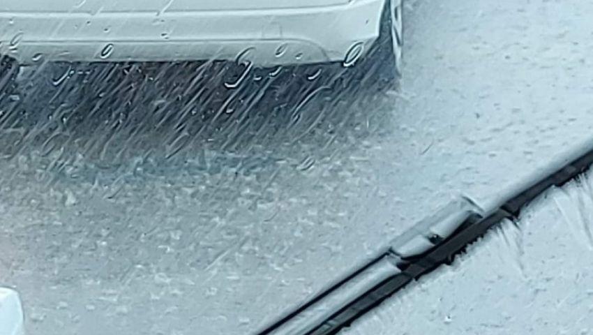 بالصور| بهطول أمطار غزيرة بالإسكندرية.. بداية موجة الطقس السيئ