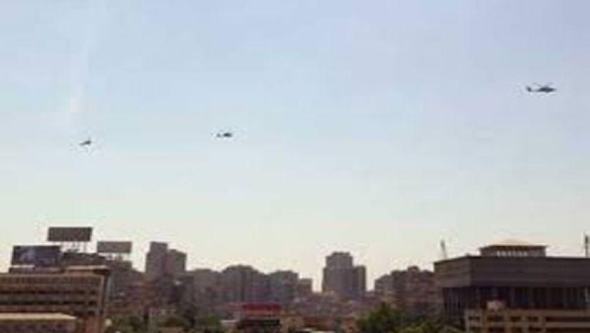 الطائرات تحلّق فوق متظاهرين مؤيدين للشرعية بالزقازيق
