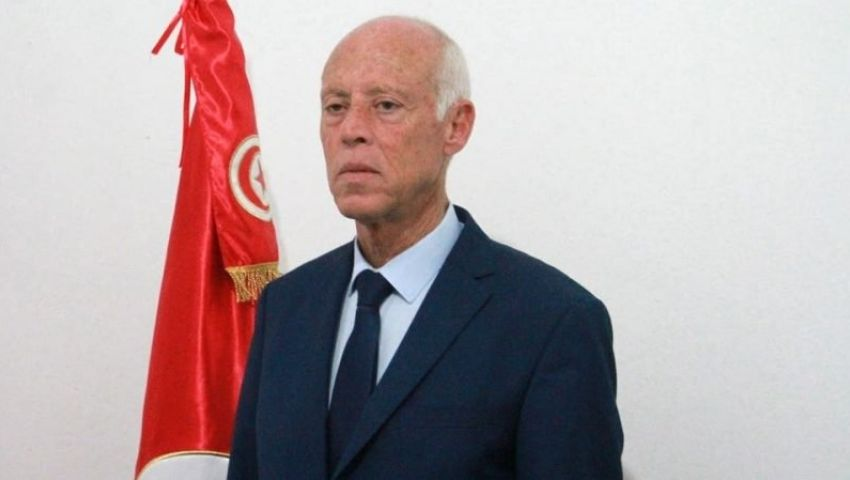 واشنطن بوست: في ضربة للنخبة.. أستاذ القانون المتواضع رئيسا لتونس