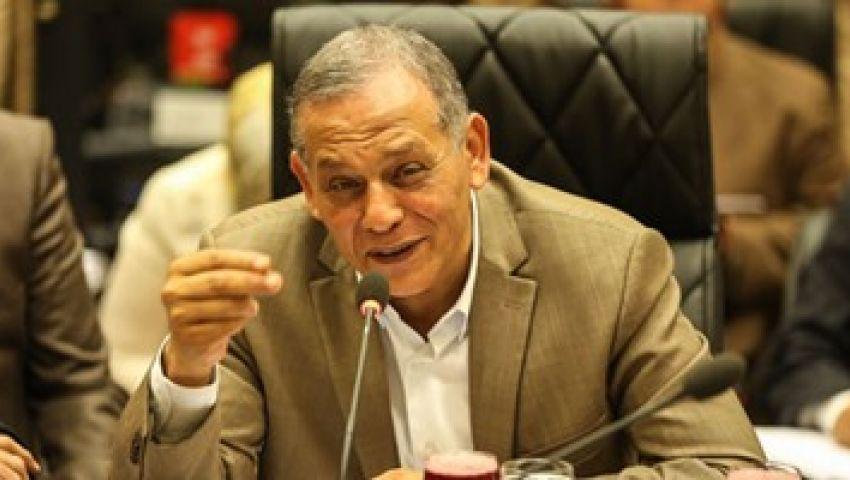 السادات يطالب السيسي بخفض رواتب الوزراء وكبار المسؤولين