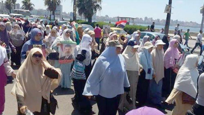 الجيش يعرض المساعدة لحالات الإغماء بين الأخوات