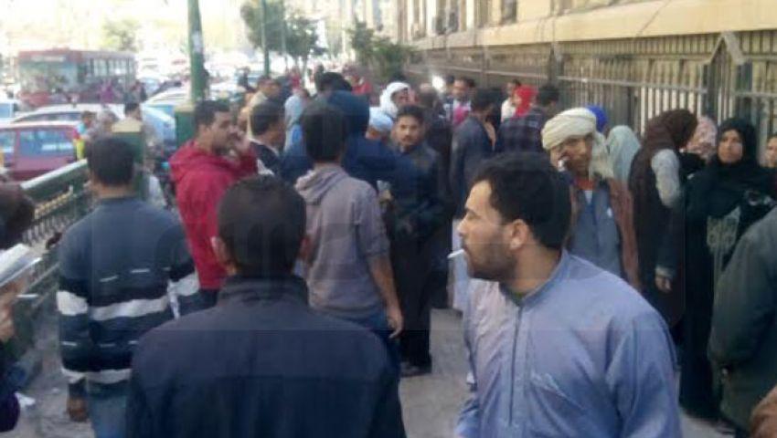 بالفييو..أهالي عشش عزبة النخل: حسي بينا يا حكومة.. إحنا قاعدين في الشوارع