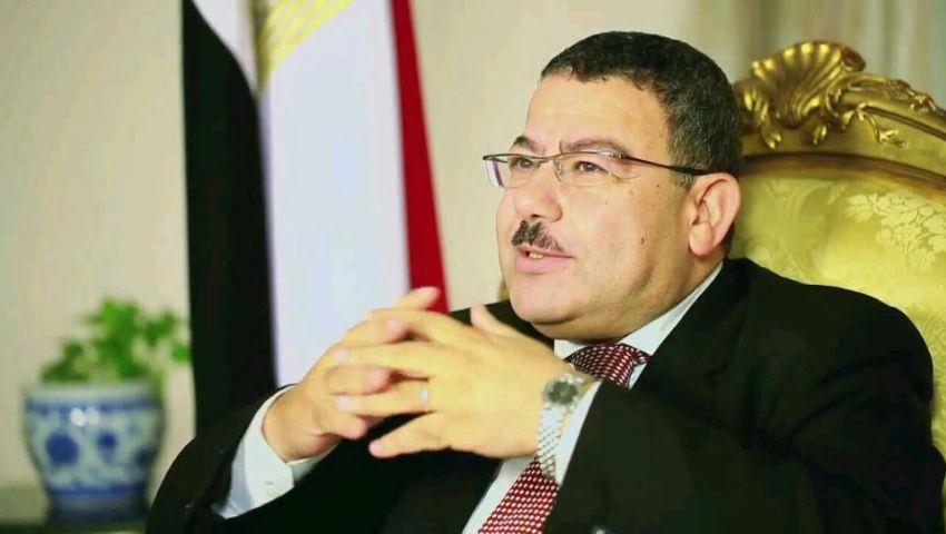 عبدالفتاح:الإنقلابيون تظاهروا لإسقاط مرسى ويمنعوه بدستورهم الجديد