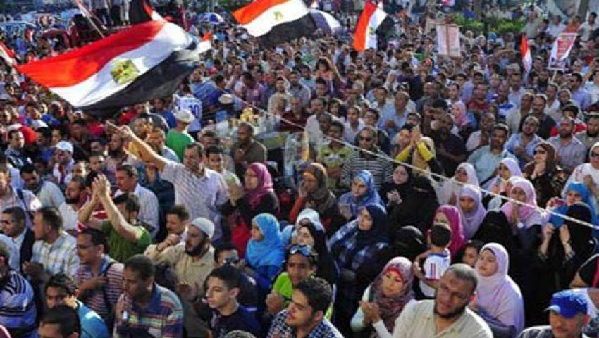 سلسلة بشرية لأنصار مرسي بالإسكندرية