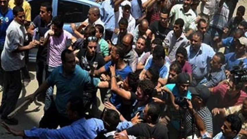 مصلون بالغردقة يشتبكون مع إمام هاجم الجيش