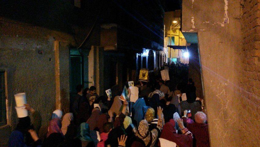 بالصور.. مسيرة بقرية ميدوم تندد بحصار الميمون