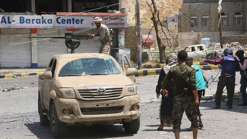 مقتل 5 حوثيين بينهم قيادي ميداني وسط اليمن