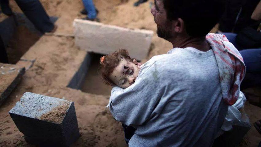 شهيدان في غزة بعد تجدد القصف الصهيونى يوم العيد