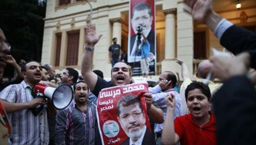 متظاهرو الهرم: الثورة فين.. مبارك خرج