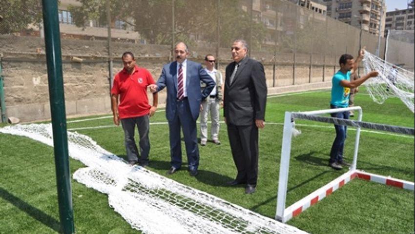 وزير الرياضة المستقيل يتفقد ملاعب الإنتاج بمركز المنتخبات بالمعادي